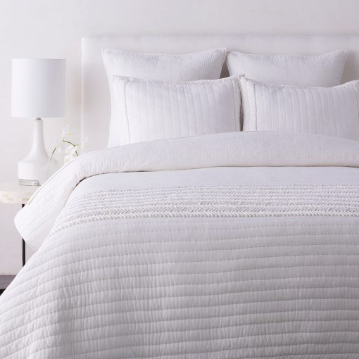 Surya-Lindon-Woven-Cotton-Quilt-Set-in-White-ldn6001